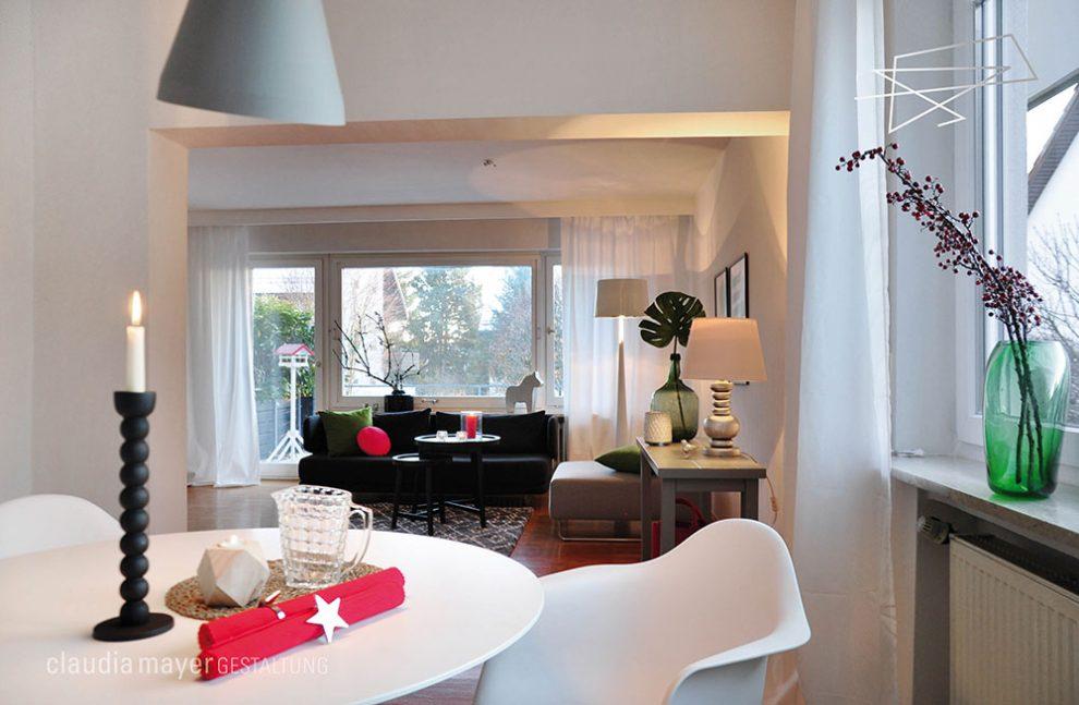 Wohnzimmer mit Home Staging fotografiert