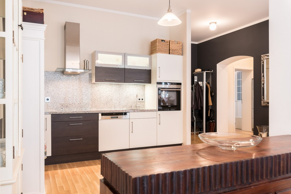 Auch im Inneren der Wohnung schaffen Durchbrüche ein großzügiges Flair.