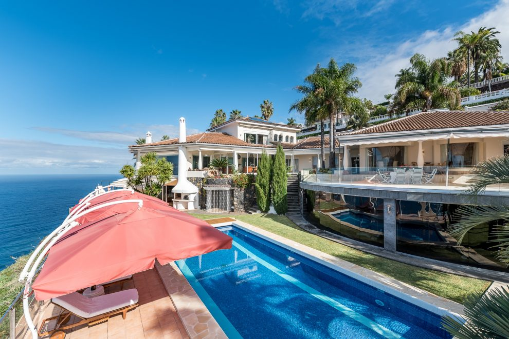 Gesamtansicht: Luxusvilla auf Teneriffa