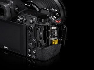 Memory Card Slot of Nikon Z6 und Z7