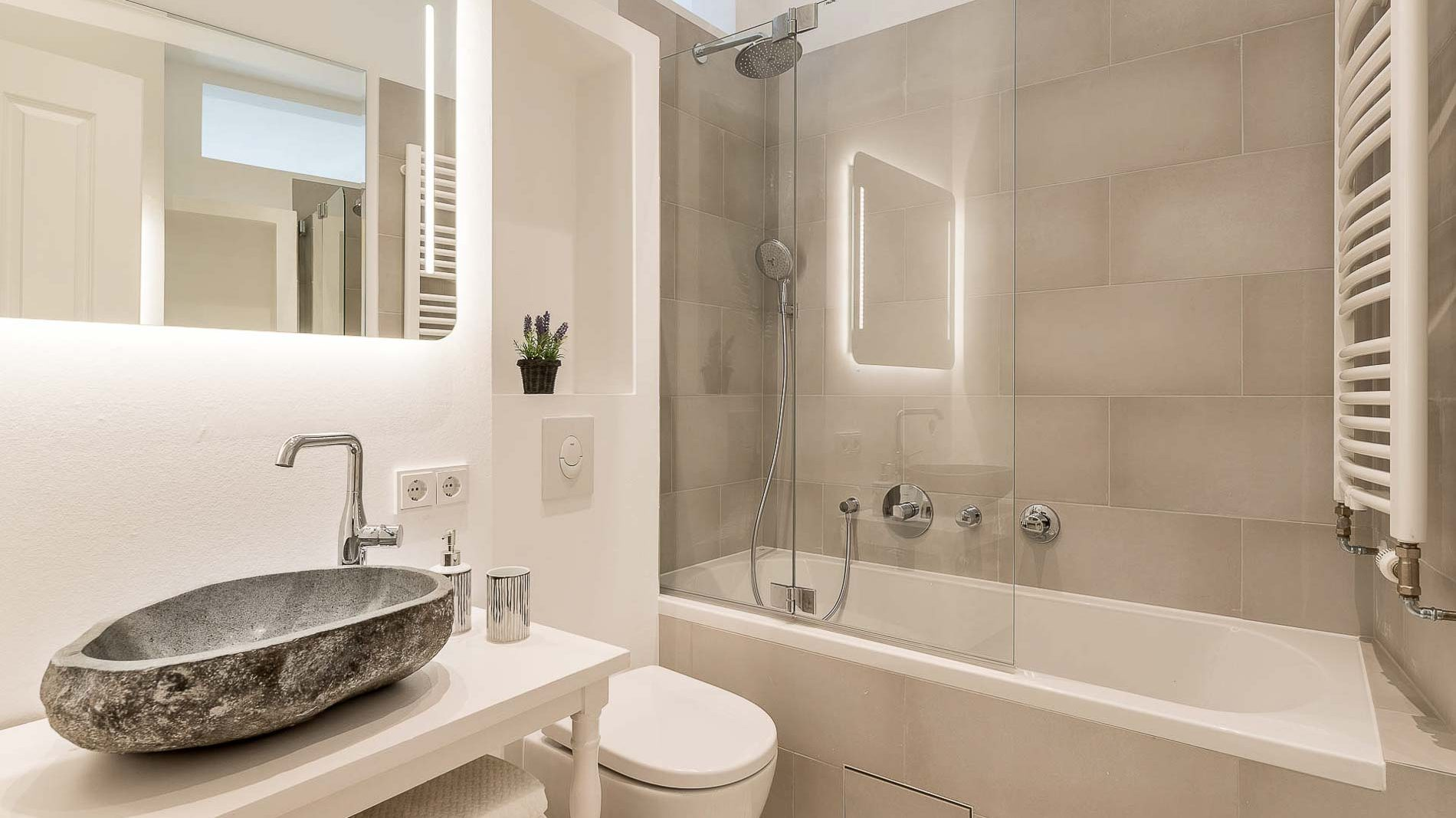 PrimePhoto - Mini Bathroom in reconstructed flat - Real Estate Photos