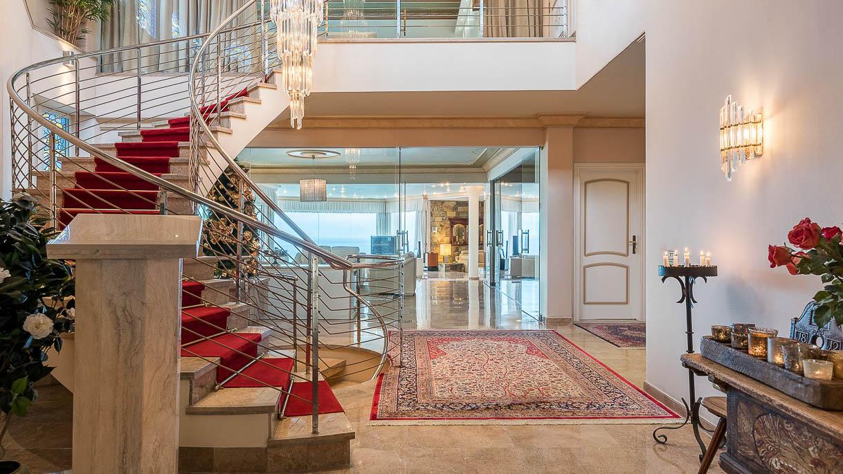 Empfang in großzügiger Villa - Immobilienaufnahme - PrimePhoto