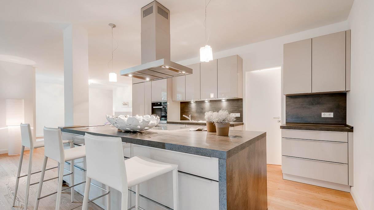 PrimePhoto - Immobilienfotos - Küche mit Kochinsel